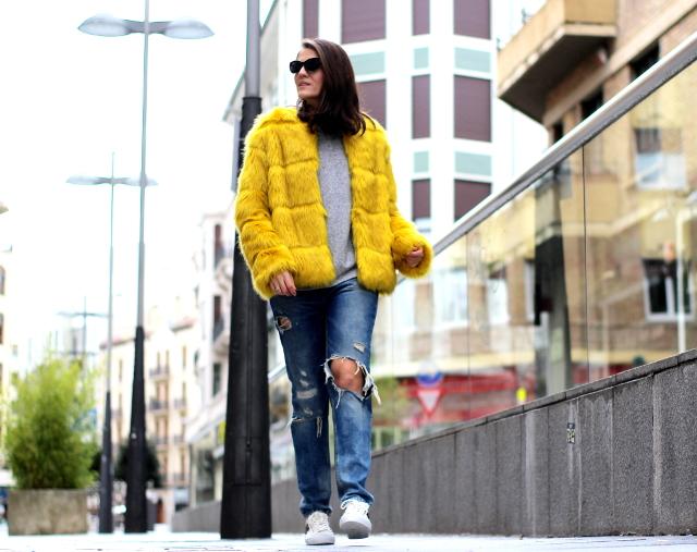 Amarillo con fuerza