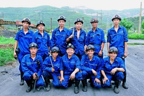 Đồng phục công nhân Hà Nội thiết kế chất lượng