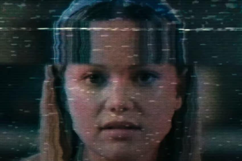 Freeform показал трейлер подросткового триллера «Жестокое лето» про 90-е