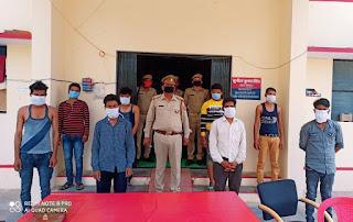लॉकडाउन के उल्लंघन एवं जुआ खेलते हुए अभियुक्त गिरफ्तार  Accused arrested for violating lockdown and gambling      संवाददाता, Journalist Anil Prabhakar.                 www.upviral24.in