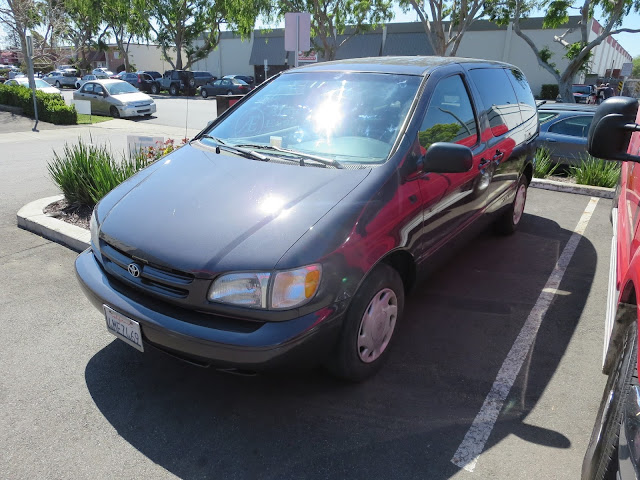 2000 Toyota Sienna with new auto paint and color change