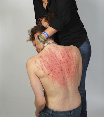 O jogo de abrasão envolve a excitação sexual através do contato com materiais abrasivos ou ásperos (como uma lixa).