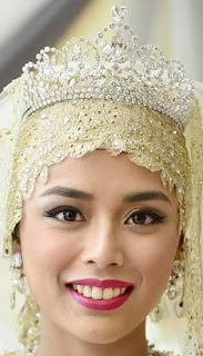diamond floral tiara crown princess sarah brunei sa'adah halimatussa'adah