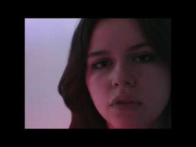 """Chat Perché dévoile le titre """"Bonjour à demain"""", mis en valeur en vidéo par un clip signé Tina Rozen"""