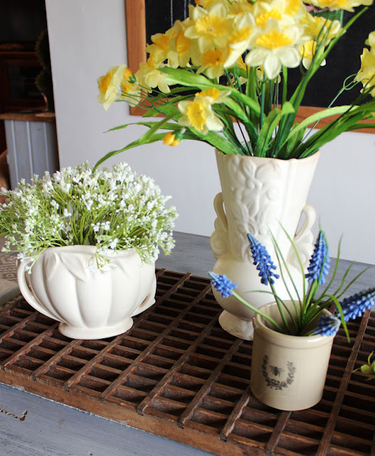 A Little Simple Spring Decor From Itsy Bits And Pieces Blog