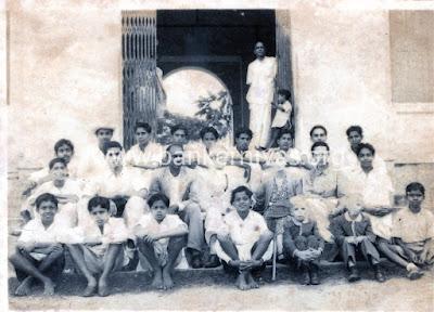 Vintage Class Group Photo