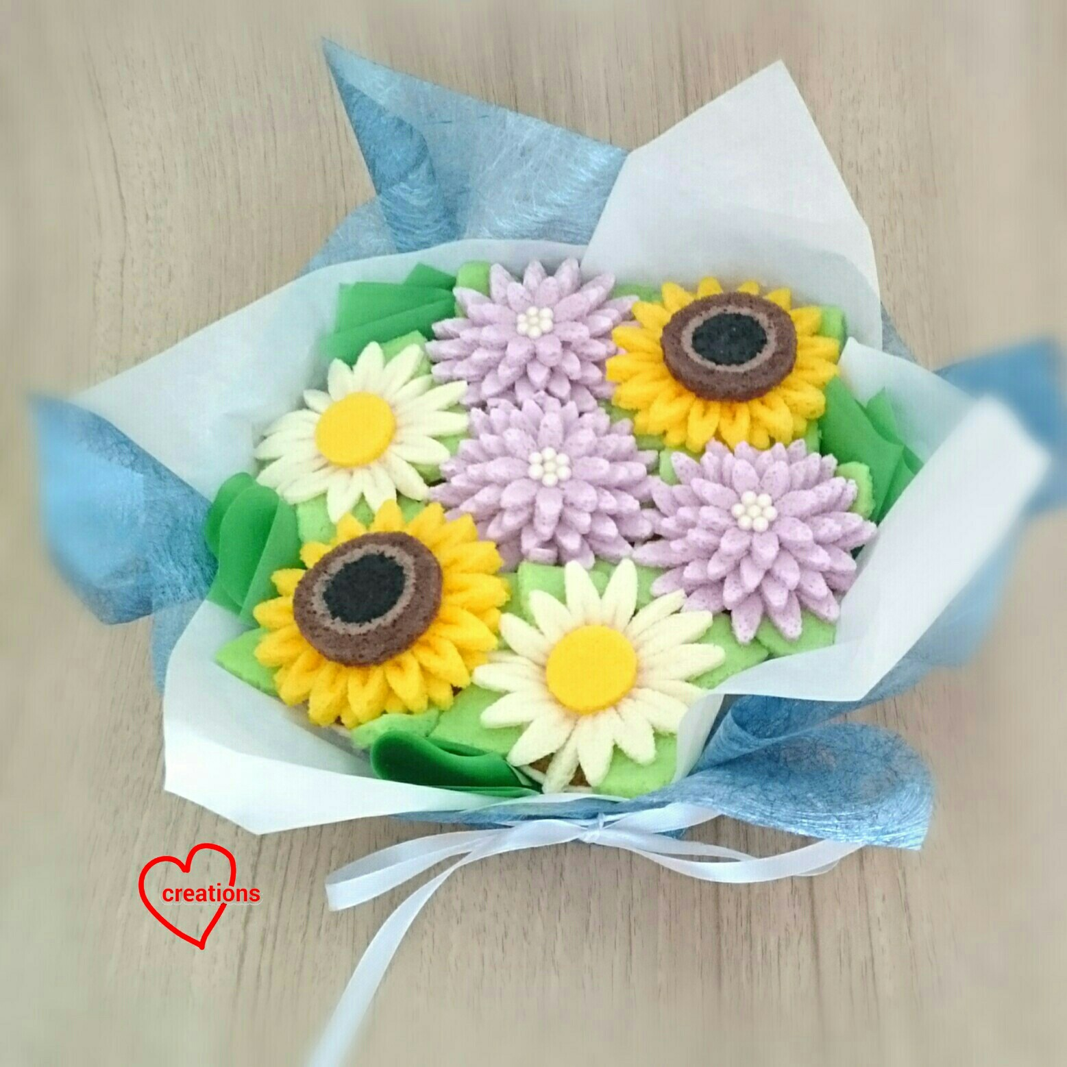 Loving creations for you bouquet of flowers gula melaka chiffon its my first attempt at making a bouquet although i have made flower cupcakes a number of times here are some bouquets big and small izmirmasajfo