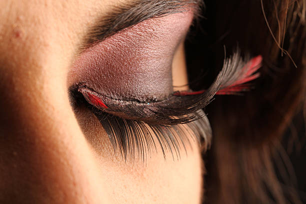 6 natural remedies for thicker and longer lashes