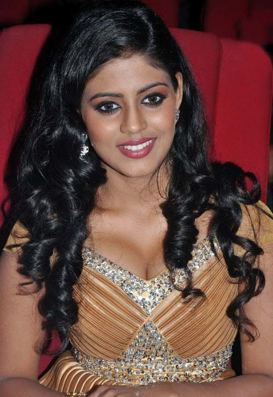 Iniya Latest Hot Photos