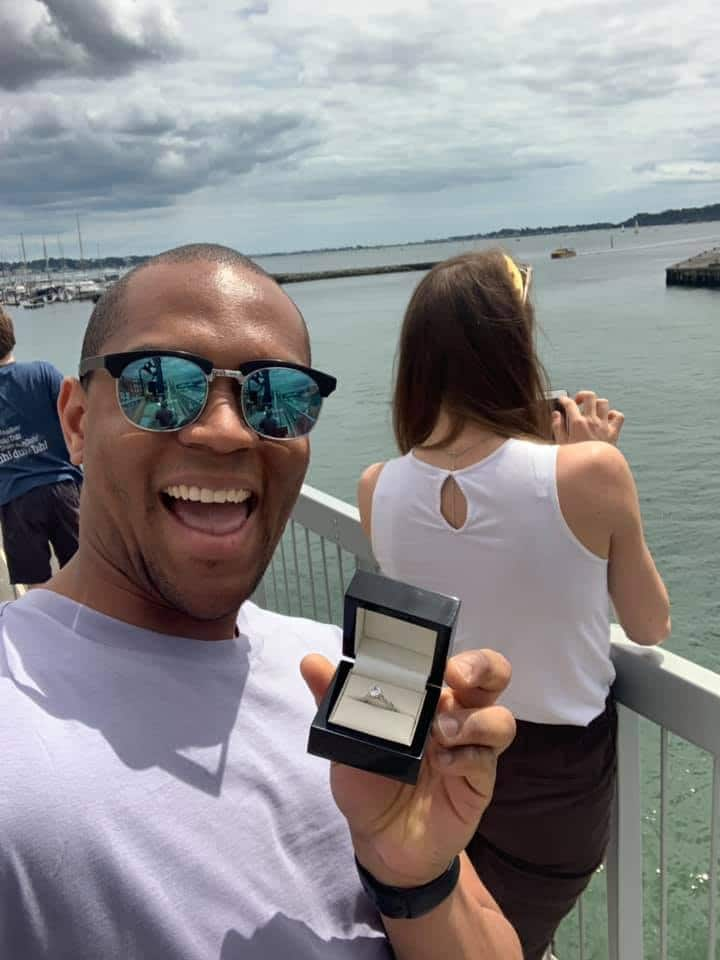 Hilarious Pictures Of A Man's Girlfriend Unknowingly Posing With An Engagement Ring