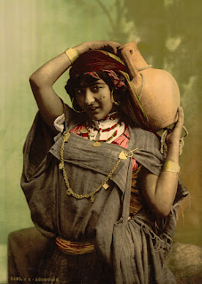 http://www.thebirdali.com/2010/12/the-child-woman.html