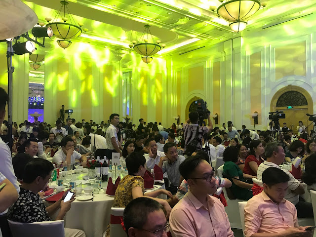 Hàng trăm khách hàng tới tham dự lễ ra mắt dự án Golden Lake