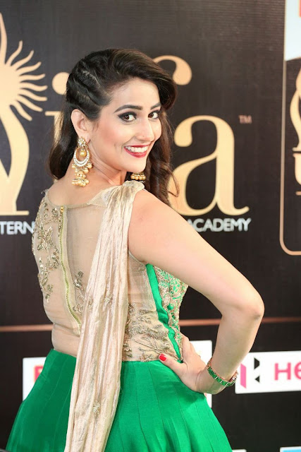 Manjusha at IIFA utasavam Green Carpet Day1 Stills