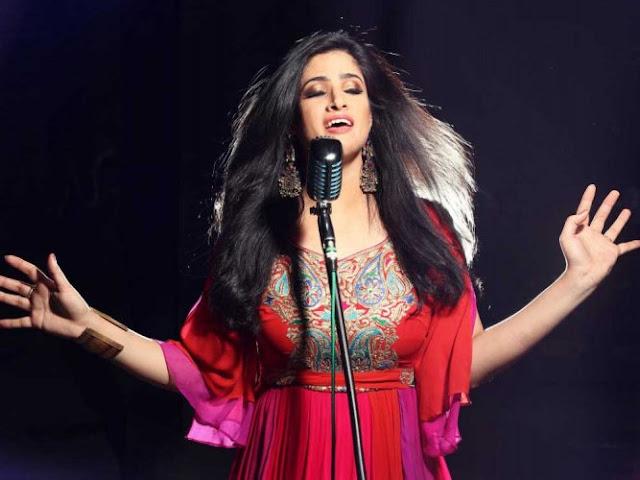 आर्टिकल 370 हटने पर कश्मीरी पंडित गायिका आभा हंजुरा हुईं भावुक  - newsonfloor.com