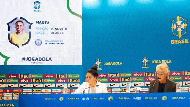 Pia convoca seleção feminina de futebol