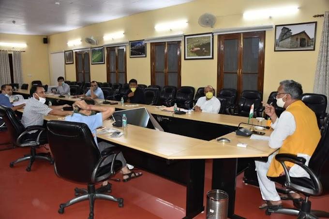 मुख्यमंत्री त्रिवेंद्र सिंह रावत ने लिया बड़ा निर्णय प्रदेश में बदला दुकानें खुलने का समय-देखिए सूबह से शाम कितने बजे तक खुलेंगी दुकानें