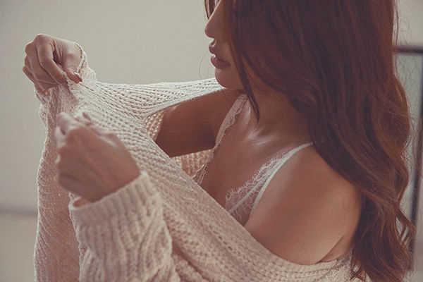 Dành cả thanh xuân tìm ngực, nhưng Bích Phương mới là minh chứng sống của chân lý càng lép càng sang!