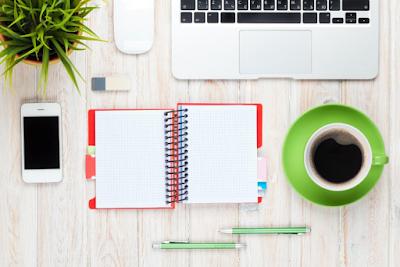 6 Benda yang Membuat Meja Kerja Anda Berantakan