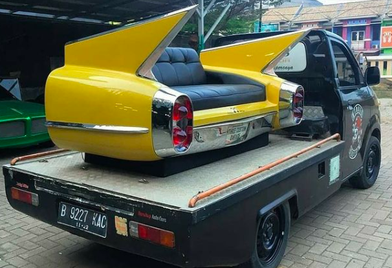 Hthree Custom Garage car sofa