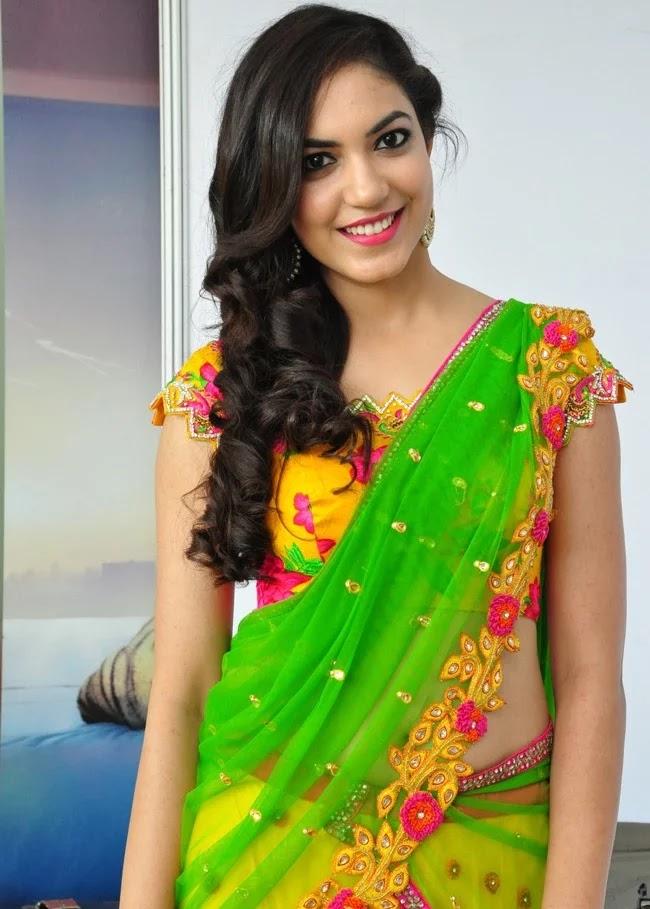 Ritu Varma Saree Navel 1