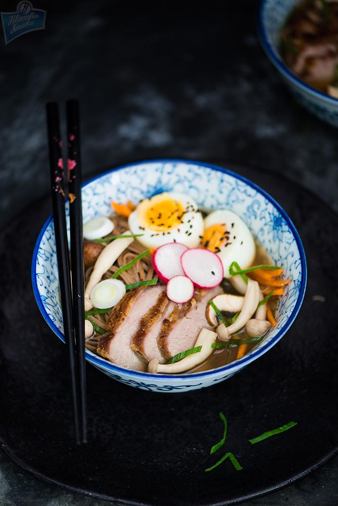 Azjatycka zupa z kaczką