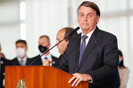 Presidente Jair Bolsonaro fala em estender o auxílio emergencial. Café com Jornalista