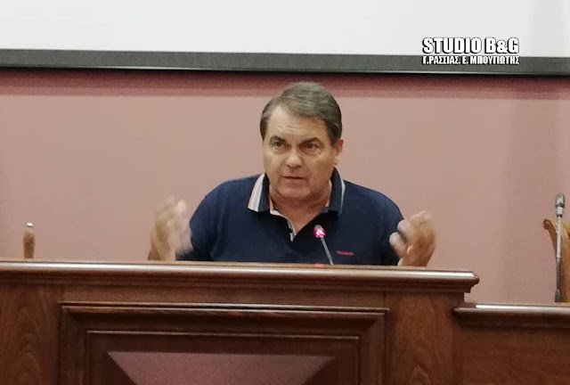 Δήλωση Καμπόσου που θα προκαλέσει: Η Νικολάκου με διαβεβαίωσε πως πήραν την υπόθεση της μεταφοράς των μαθητών από τα χέρια του Χειβιδόπουλου