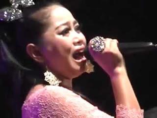 Lilin Herlina - Alun Alun Nganjuk