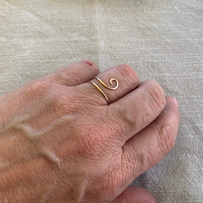 Single Curl Wave Wire Ring Project by Lisa Yang Jewelry