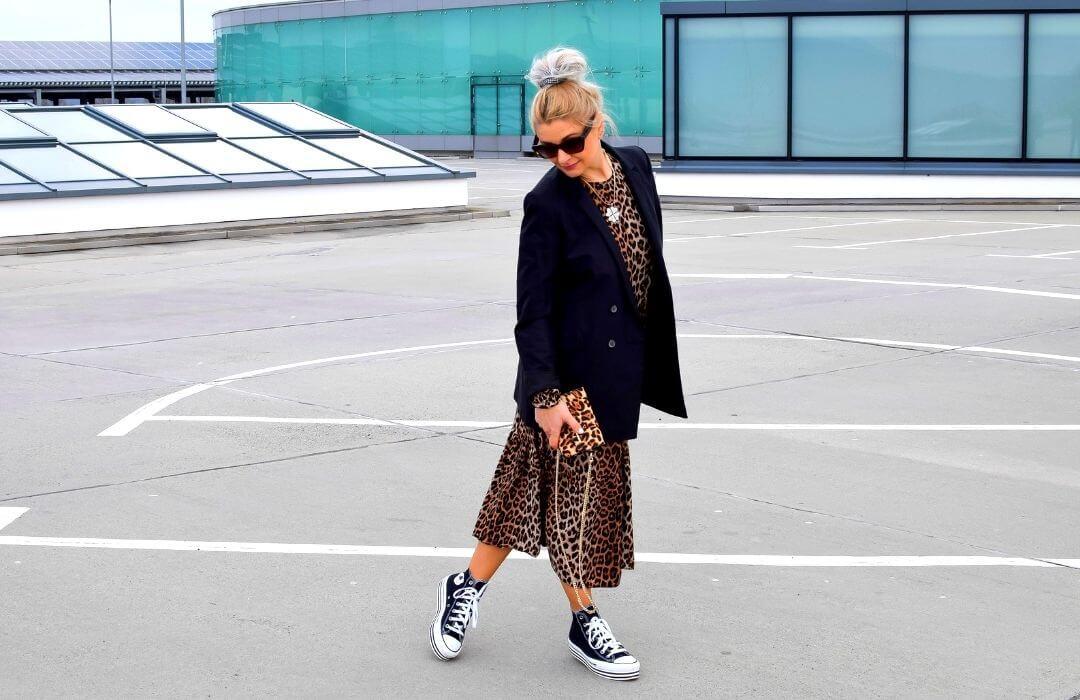 oversize-blazer-schwarz-outfit
