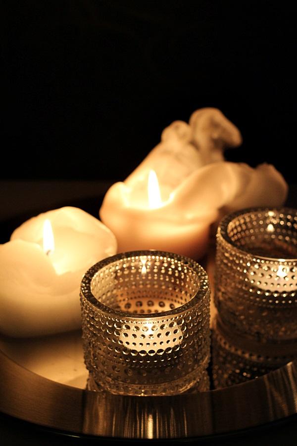 kynttilä iittala kastehelmi koti tunnelma sarpaneva tarjotin ilta