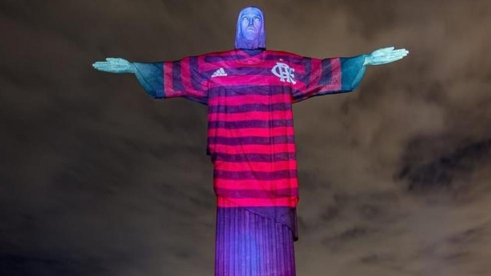 Colocaram a camisa do Flamengo no Cristo Redentor. | Programa 100 Fronteiras