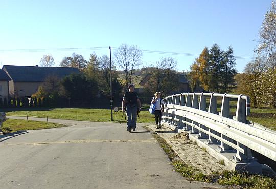 Most nad potokiem Zdynia.