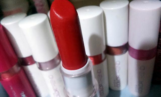 Achegue-se! Dicas de batom: Vermelho puro, Avon Colortrend