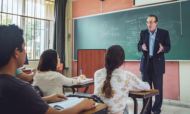 Beneficios sociales para docentes de universidades públicas