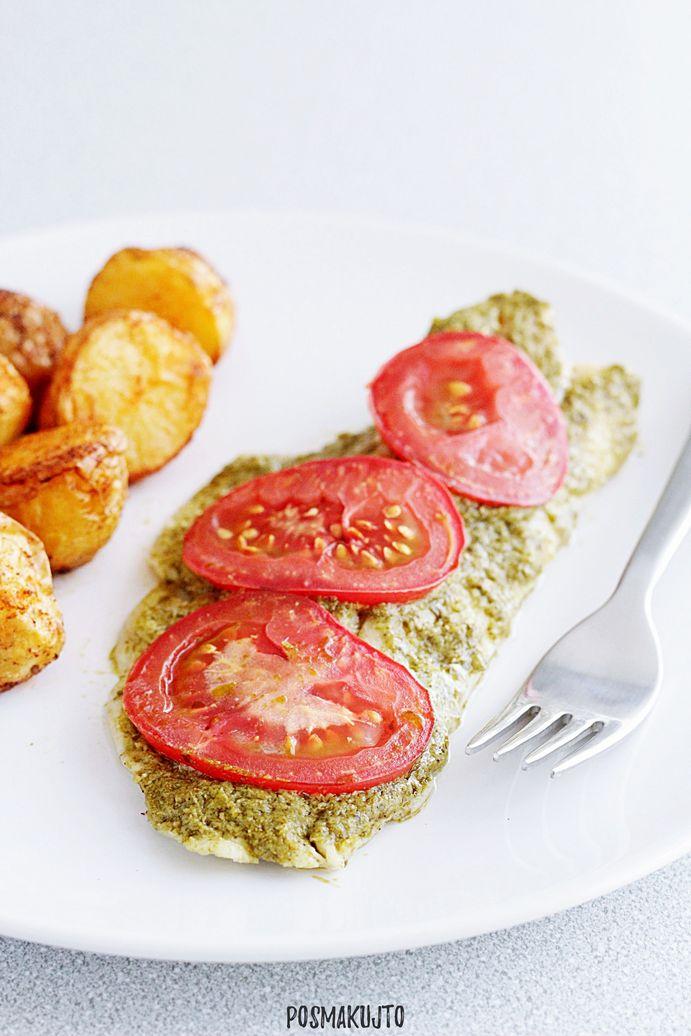 Filet z dorsza pieczony z pesto i pomidorami
