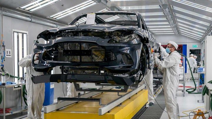 DBX 2021 - SUV đầu tiên của Aston Martin đi vào sản xuất