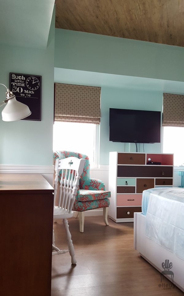pale green walls, cottage bedroom, coral chair