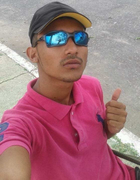 Adolescente é assassinado