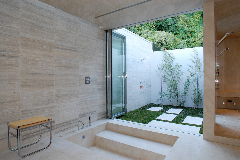 stone-room-lawn-backyard-shower-ideas