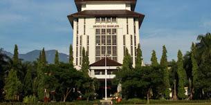 List 6 universitas terbaik di jawa timur yang cocok untuk dijadikan prioritas