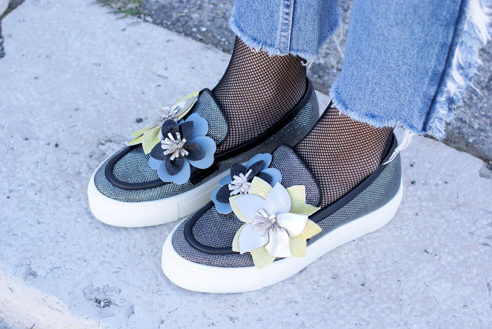 181 shoes on Fashion and Cookies fashion blog, fashion blogger style