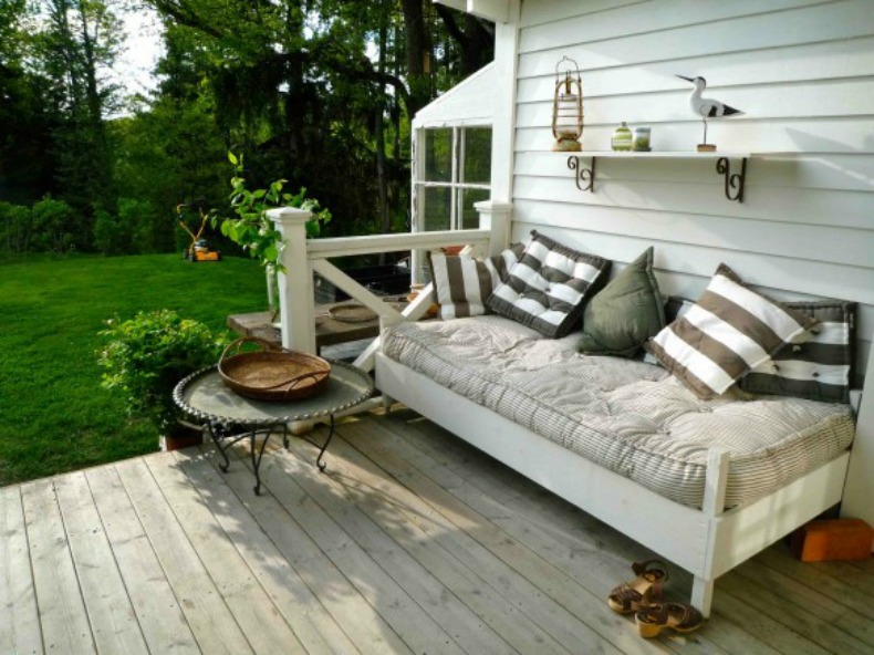 Coastal cottage outdoor day bed