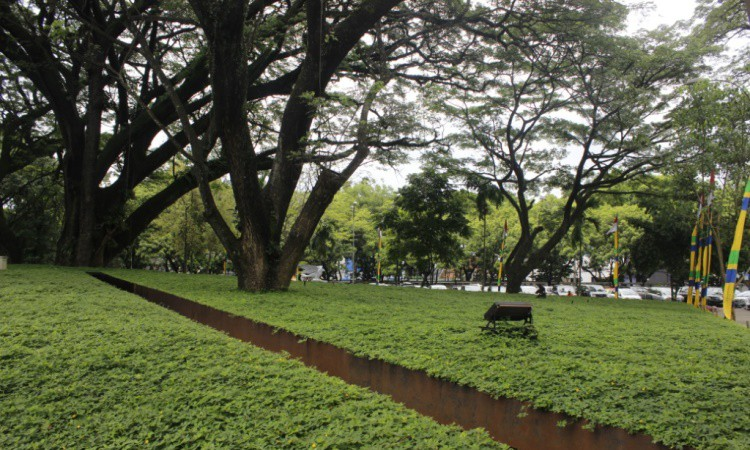 15 Taman di Bandung yang Cocok untuk Refreshing