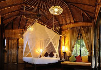 desain kamar nyaman dan alami dengan bahan bambu