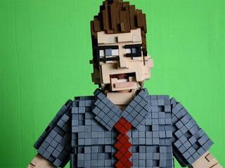 Hacer disfraz pixeleado con cartón reciclado