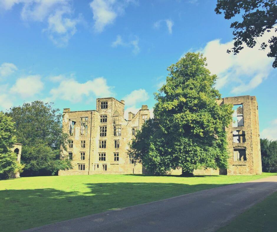 Fascinating English Heritage Castles To Visit In The East Midlands | Hardwick Old Hall is a great place to spend the day.