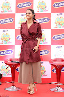 Kajol Looks super cute at the Launch of a New product McVites on 1st April 2017 09.JPG