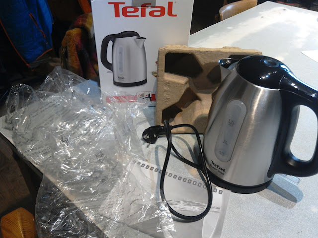 Packaging, Kettle, Single Use, plastic, cardboard.