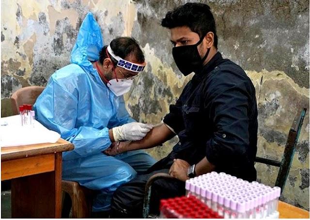 भारत एक ही दिन में रिकॉर्ड COVID 4.2 लाख परीक्षण करता है
